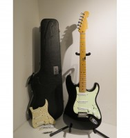 1996-fender-usa-stratocaster-plus-electric-guitar-black-with-upgrades